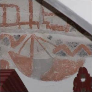 Dieses Freskofragment aus der Kirche in Aurich-Oldenburg ist die einzige mittelalterliche Schiffsdarstellung in Niedersachsen.
