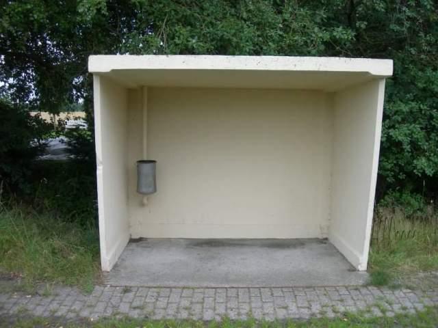 Bushaltestelle irgendwo in Ostfriesland