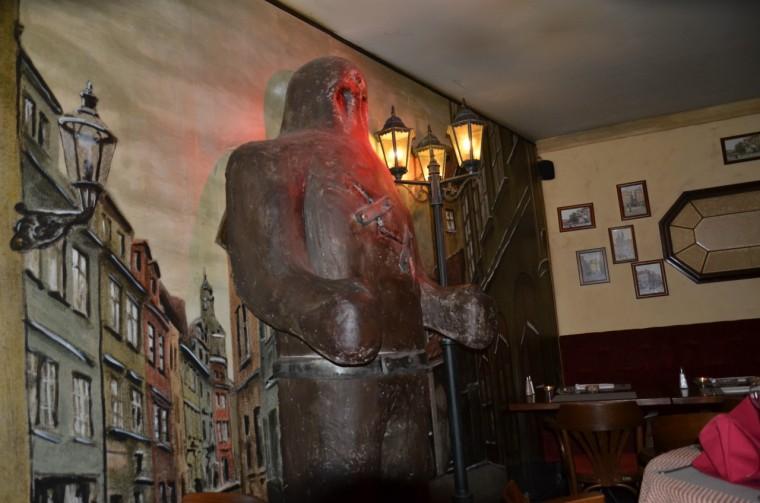 Der Golem als Restaurantdeko im »U Golema«