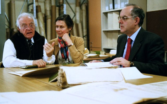 Besuch im Archivo dello Stato in Genua mit Michel Pacou (rechts).